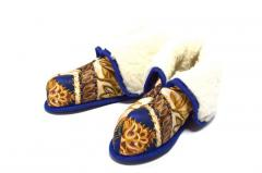 Woolen house boots of Monac