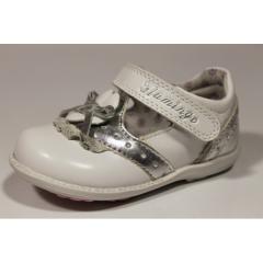 Туфли белые для девочки Фламинго Звездочка