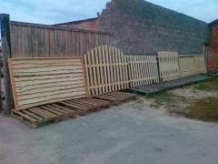 Заборы деревяные любой сложности и дизайна в