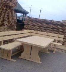 Столы садовые, стулья и другая мебель деревянная.