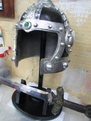 Шлем с мечем(сувенир)