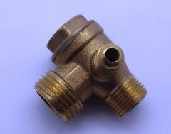 Обратный клапан Н8 (резьба наружная, медный) для