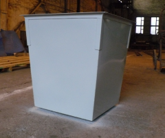 Trash bins with a cover, without cover, various
