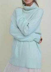 Нежный мягкий  кашемировый свитер