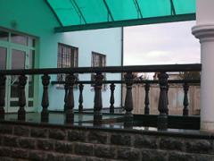 Гранитные ступени, балясины, отделка фасада