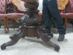 Стіл у стилі бароко горіховий