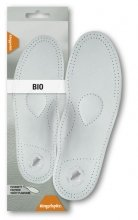 Bio-insoles from goat skin with absorbent carbon