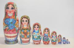 The Ukrainian painted nested doll from 9 pieces 906