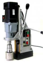 Сверлильно-фрезерный станок на магнитном основании