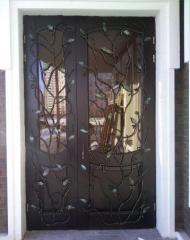 Решетки кованые на двери, Декор-решетка на двери