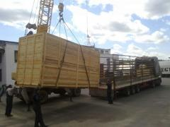 Packaging of loads in the wooden container