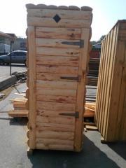 Туалет деревянный дикий брус