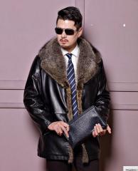 Зимняя кожаная куртка для мужчин.