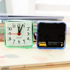 Кварцевый квадратный будильник-сигнал тревоги.