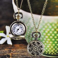 Бронзовые кварцевые карманные часы для дамы с цепочкой.