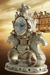 Кварцевые настольные часы-Двойная Лошадь.