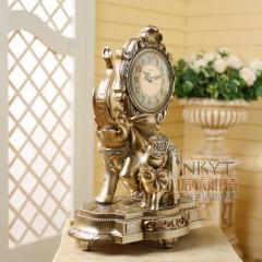 Красивые настольный часы под старину-Слон.