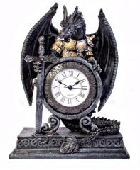 Каминные настольные часы-дракон с мечом.