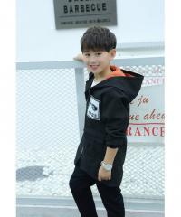 Детская теплая куртка с капюшоном для мальчика
