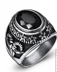 Винтажное мужское кольцо с большим черным камнем
