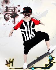 Танцевальный костюм для мальчика с красивым принтом с полоску