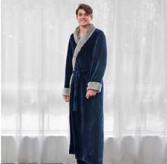 Мужской зимний банный халат.