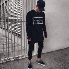 Модные мужски обтягиваюшие рваные джинсы в стиле хип-хоп