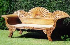 Мебель садовая деревянная резная