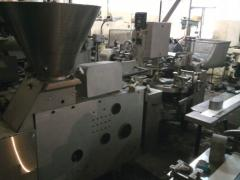 The packaging machine for sweet curd cakes, the