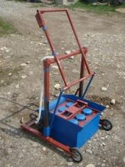 The machine for production of slag stones (on 2 -