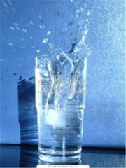 Вода очищенная артезианская бутилированная