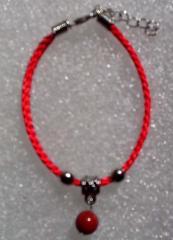 Красная нить оберег натуральный камень Яшма