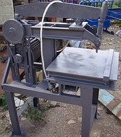 The grooving and mechanical Woodpecker machine for