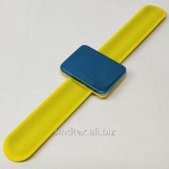 Магнитная игольница на (руку) запястье Sindtex желтая (СИНДТЕКС-0776-3)