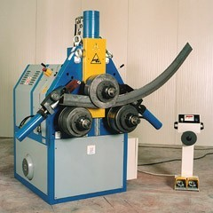 The pipe bender for profile pipe
