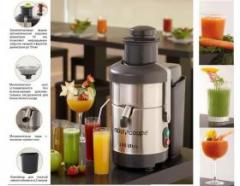 Automatic Robot-Coupe J 80 Ultra juice extractor,