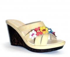 Women's summer sandals of beige color 10043
