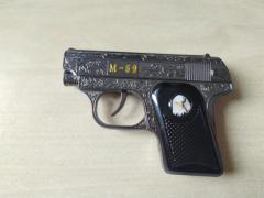 Зажигалка пистолет в коробке