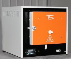 Elektrická laboratorní laboratoř SNO 2.3.1,3/11 I2 pro tepelné zpracování kovů, keramiky apod. S teplotami do 1100 ° C, Bortek pr., Borispol, Ukrajina.