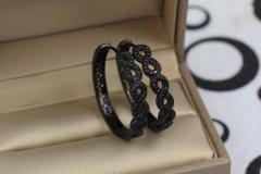 Серьги кольца с камнями 3 см с черным покрытием