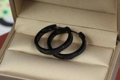 Серьги кольца с камнями 2,5 см с черным покрытием