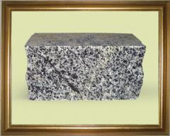 Кирпич из камня