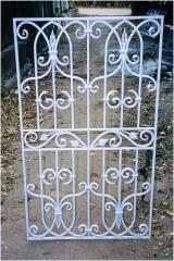 Barriers with elements of hand forging
