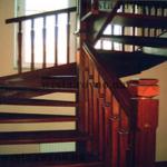 """Лестницы деревянные """"Винтовые по столбу"""""""