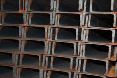 Perfil de canal de paredes finas
