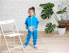 Спортивный велюровый костюм для девочки голубого