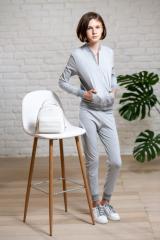 Однотонный спортивный костюм для девочки с кофтой