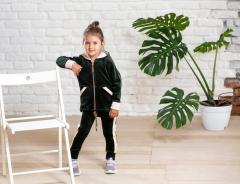 Велюровый спортивный костюм на девочку с кофтой на
