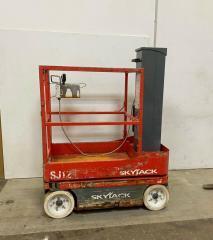 SKYJACK SJ 12 вертикальная рабочая платформа б/у