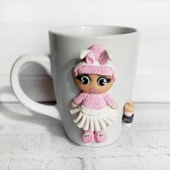 Кукла LOL из полимерной глины на чашке Подарок